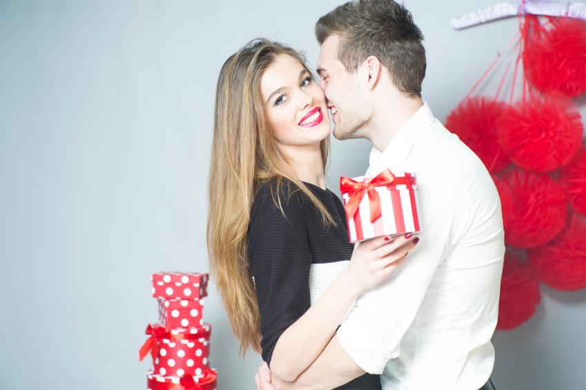 Top Cool Valentine S Day Gifts Ideas For Girlfriend 2019 On A Budget